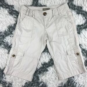 Old Navy Capri Bottoms Size 2 Tan